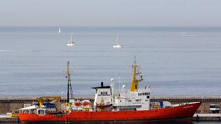 O Aquarius continua à espera de autorização para o desembarque dos 141 migrantes