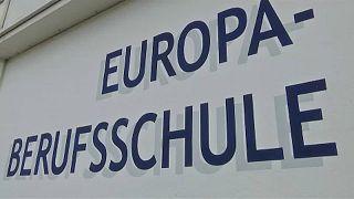 Bajorországban tanítják a bevándorlókat