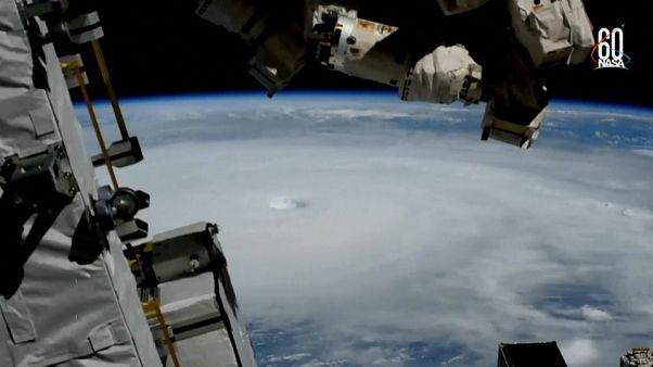 طوفان مایکل همچنان در سواحل آمریکا پیش میرود