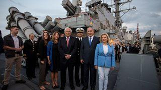 نتنياهو من على متن مدمّرة أميركية: ملتزمون بمنع إيران من توسيع إمبراطوريتها