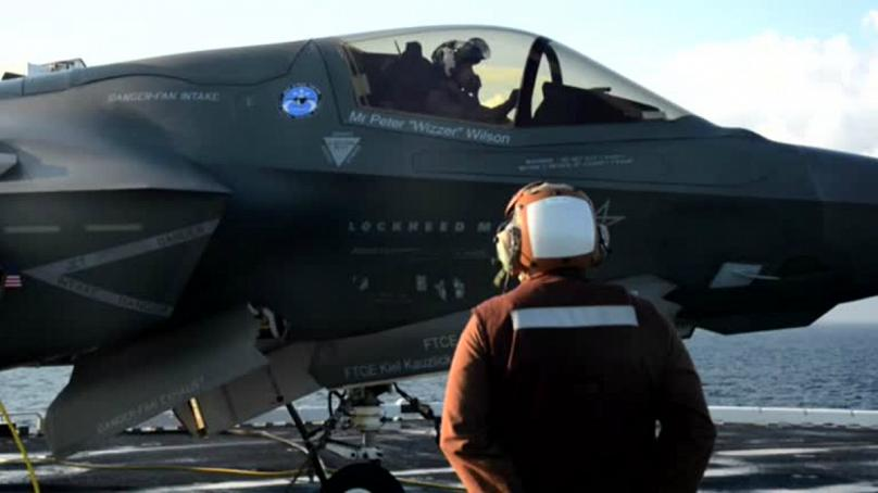 ارتش آمریکا پرواز جنگندههای اف-35 را متوقف کرد