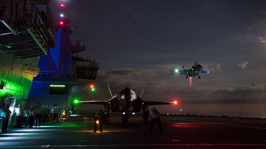 ارتش آمریکا پرواز جنگندههای اف-۳۵ را متوقف کرد