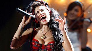Amy Winehouse regressa... em holograma