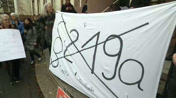 """""""Werbung"""" für Abtreibung: Gericht bestätigt Verurteilung von deutscher Frauenärztin"""