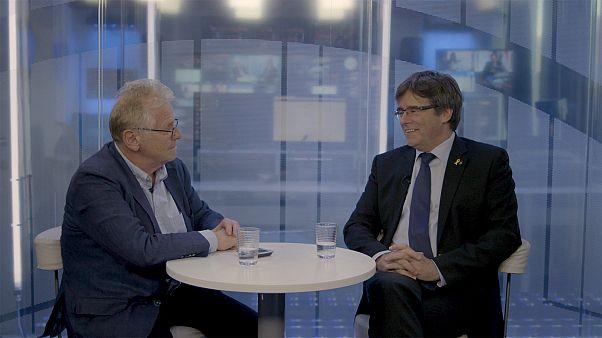 Face à Daniel Cohn-Bendit, Carles Puigdemont n'en démord pas de l'indépendance de la Catalogne
