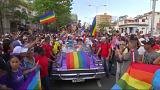 شاهد: كوبيون يطالبون بالسماح بزواج المثليين