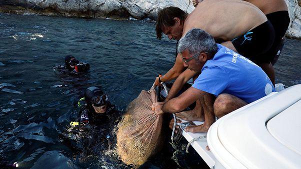 VİDEO: Arkeologlar denizaltında en az 58 gemi enkazı buldu