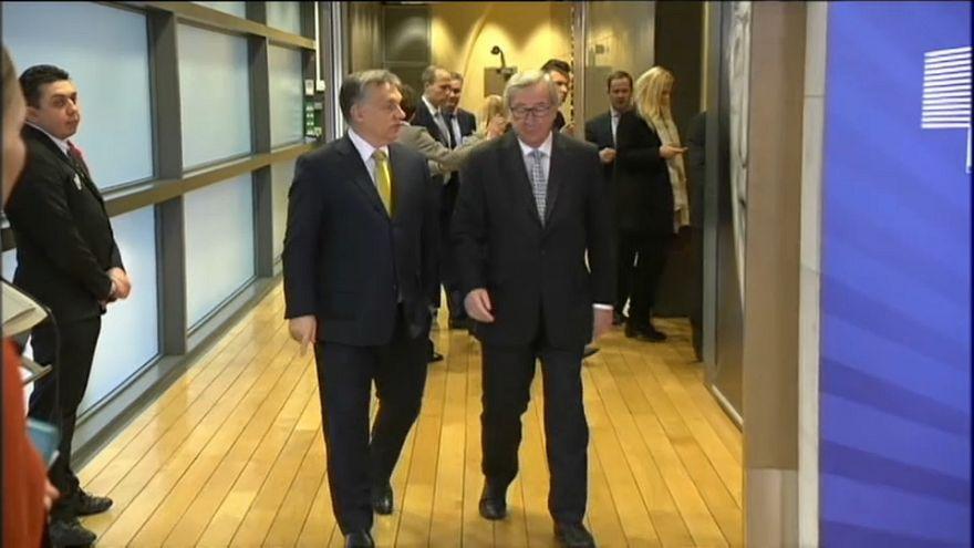 """Jean-Claude Juncker vs Viktor Orban: """"o rispetta il PPE oppure è fuori"""""""
