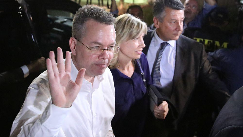 Пастор Брансон покинул Турцию