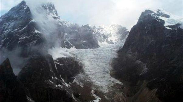 Nepal'de zirve tırmanışı yapan 7 dağcı hayatını kaybetti