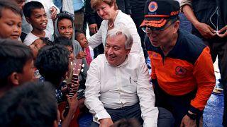 Indonésie : António Guterres au chevet des rescapés
