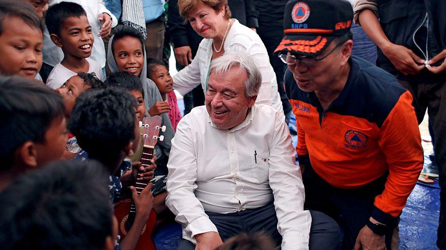 ویدئو؛ دبیرکل سازمان ملل در مناطق زلزلهزدۀ اندونزی