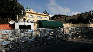 حواجز أمنيةر خارج القنصلية السعودية باسطنبول يوم الجمعة