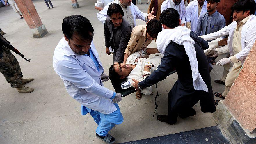 Afganistan'da kadın adayın seçim mitingine bombalı saldırı