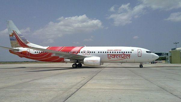 """طياران هنديان يقودان طائرة """"بطنها ممزق"""" لأربع ساعات!"""