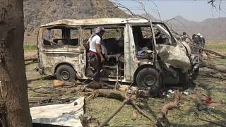 مسعفون: مقتل عشرة مدنيين في ضربات جوية في محافظة الحديدة باليمن