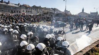 Tensión entre policía y ultraderecha polaca en una marcha LGTBI