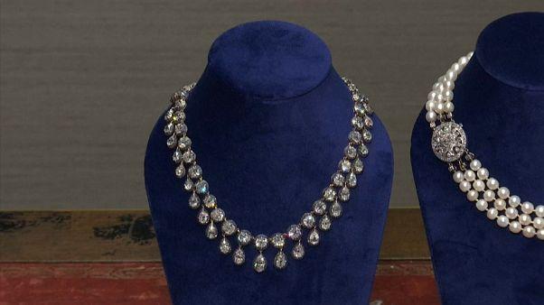 شاهد: مجوهرات ماري أنطوانيت للبيع قريبا في مزاد