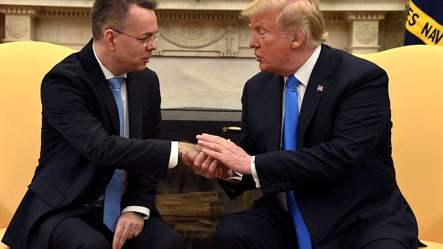 VİDEO   ABD'ye dönen Brunson Oval Ofis'te Trump'a dua etti