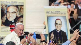 Papa Francesco canonizza i santi dei poveri