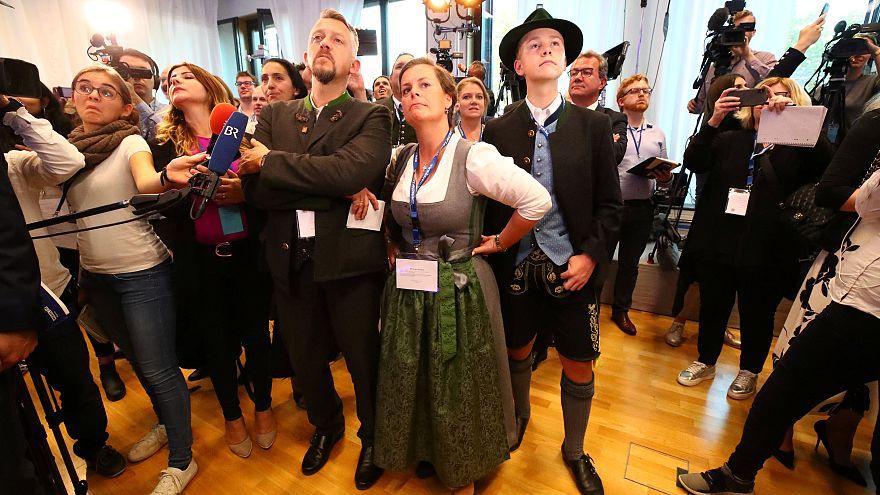 Bavyera seçimlerinde Merkel'e büyük darbe; Aşırı sağcılar mecliste