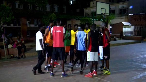 كرة السلة توحد لاجئين من السودان وجنوب السودان في كنيسة بالقاهرة