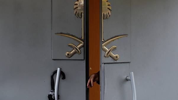 Khashoggi: agenti turchi perquisiscono consolato saudita