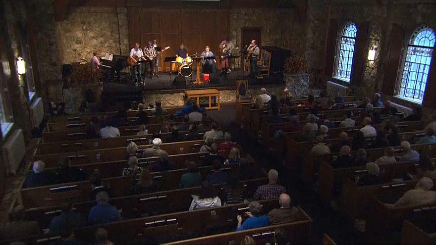 Brunson'ın Kuzey Karolina'daki cemaatinden ayin