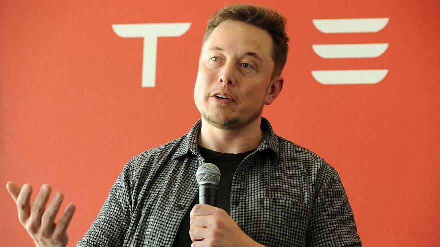 Elon Musk : bientôt une tequila et un robot Tesla?