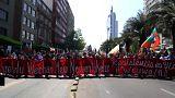 Мирное шествие переросло в столкновения с полицией