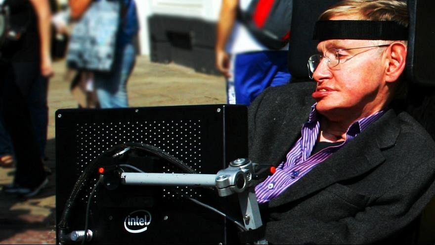 ابرانسانها، هوش مصنوعی و آینده زمین در پیشبینیهای استیون هاوکینگ