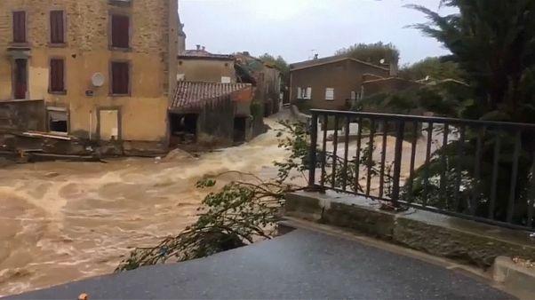 Franceses solidários com as vítimas das inundações