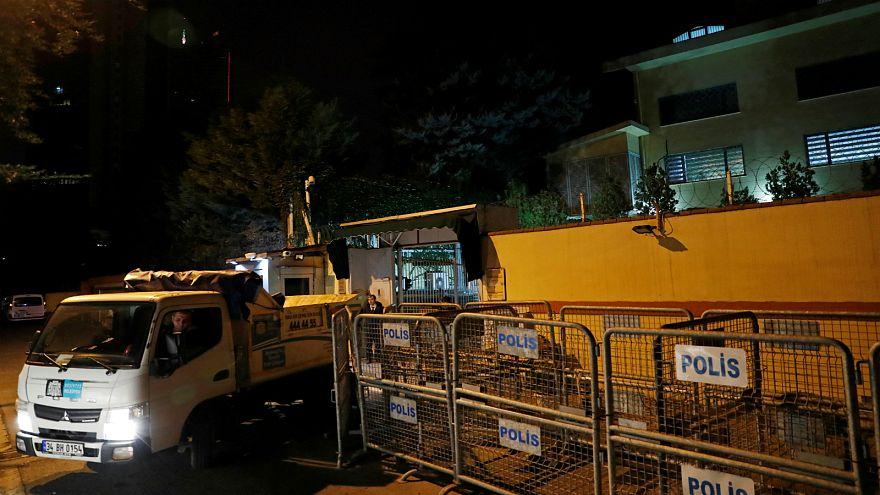 شاهد: فرق التحقيق في اختفاء خاشقجي تغادر القنصلية السعودية في اسطنبول