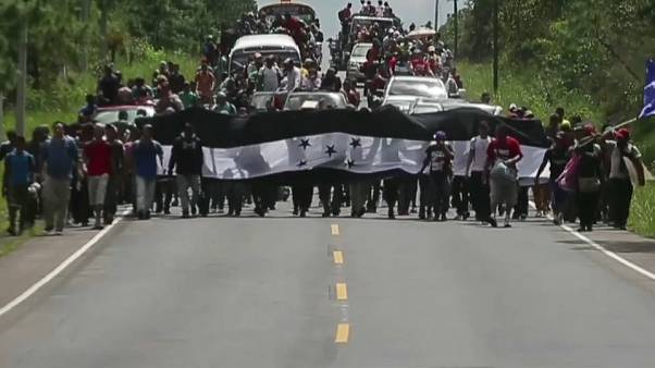 La caravana de migrantes hondureños entra en Guatemala