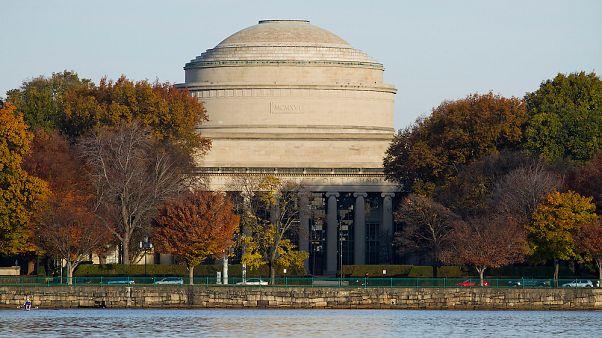 Dünyanın en iyi üniversitelerinden MIT yapay zeka araştırmalarına 1 milyar dolar kaynak ayıracak