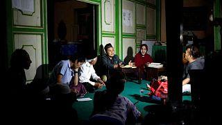 نساء متحولات جنسيا في إندونيسيا تجدن ملاذا في مدرسة داخلية إسلامية