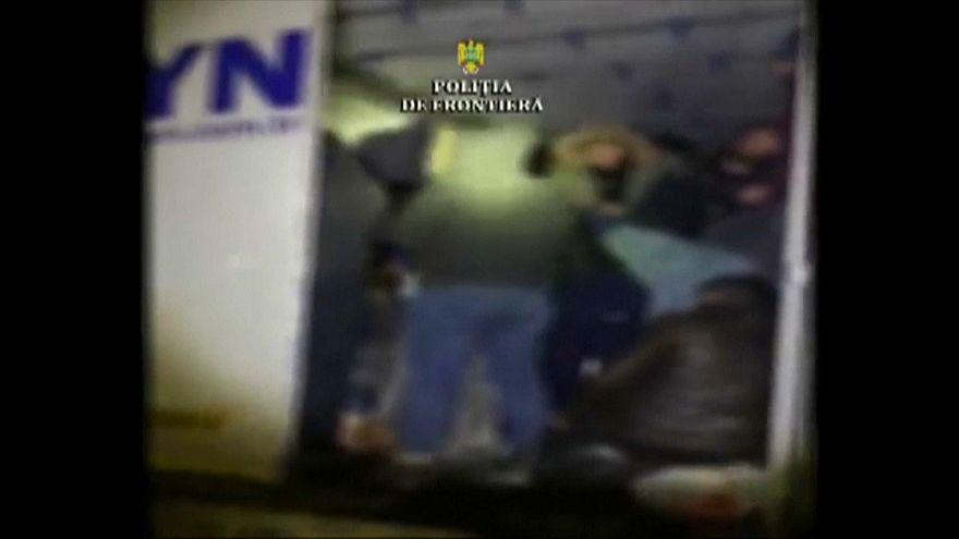 شاهد: 47 مهاجرا يختبئون في شاحنة للوصول إلى أوروبا