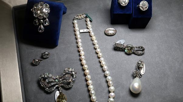 In letzter Minute gerettet: Marie Antoinettes Schmuck wird versteigert