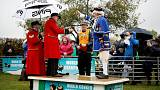 Die spinnen, die Briten! Conker - Jung und Alt beim Kastanien-Wettbewerb (VIDEO)