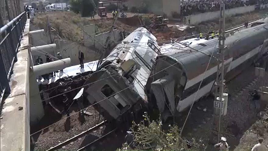 بالصور: المشاهد الأولى من حادث قطار المغرب