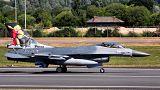 Belçika'da bakıma alınan F16 savaş uçağı başka bir uçağı vurdu