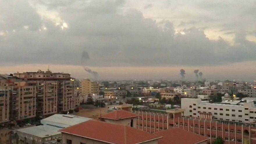 """Israel ataca Faixa de Gaza em resposta a disparos de """"rockets"""""""