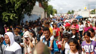 Mexique et Etats-Unis vont tenter de stopper la caravane des migrants
