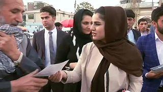 Mulheres desafiam estereótipos na corrida para as legislativas afegãs