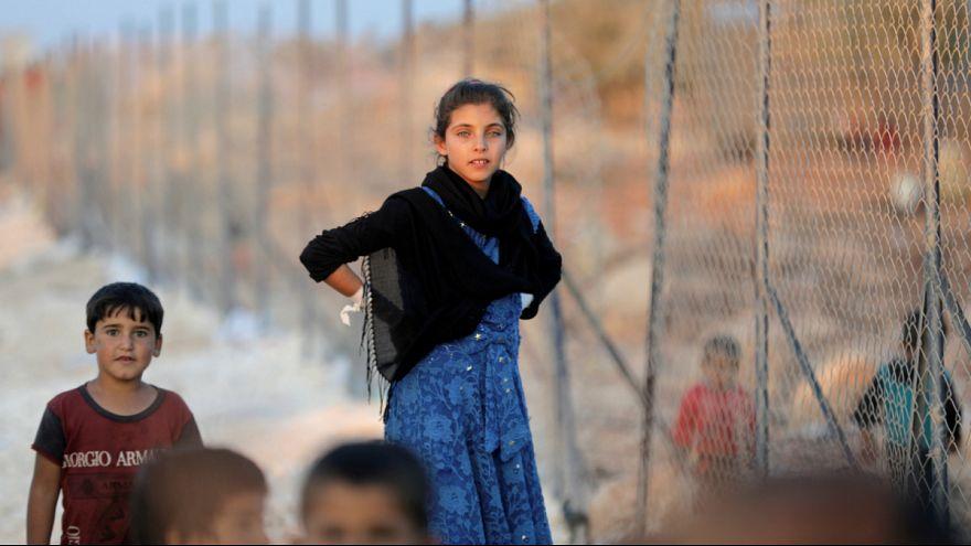 کودکان آواره سوری به کمپ اطمه در شرق سوریه پناه آوردند