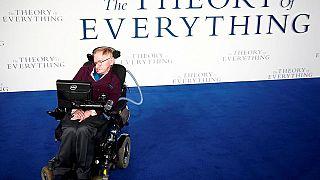 """""""No hay Dios y no hay vida después de la muerte"""", concluye Hawking en su libro póstumo"""