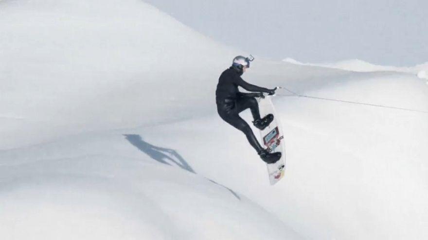 Wake-Boarding zwischen Eisbergen