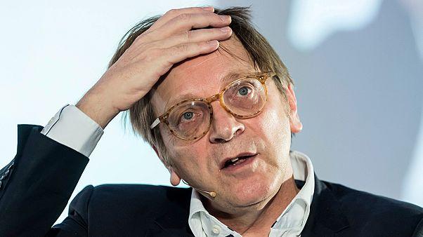 Verhofstadt reagált a kormány kampányvideójára