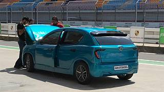 Türkiye'de üretilen elektrikli otomobil Yenilikçilik Zirvesi'nde
