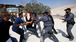 Batı Şeria: İsrail polisi Bedevi köyü yıkımı protestosuna sert müdahale etti